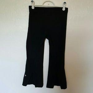 Lululemon Tadasana Slip Crop black capri size 4